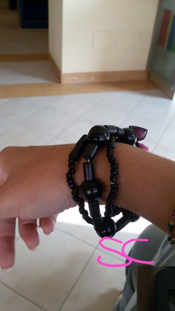 Bracciale nero triplo con perline