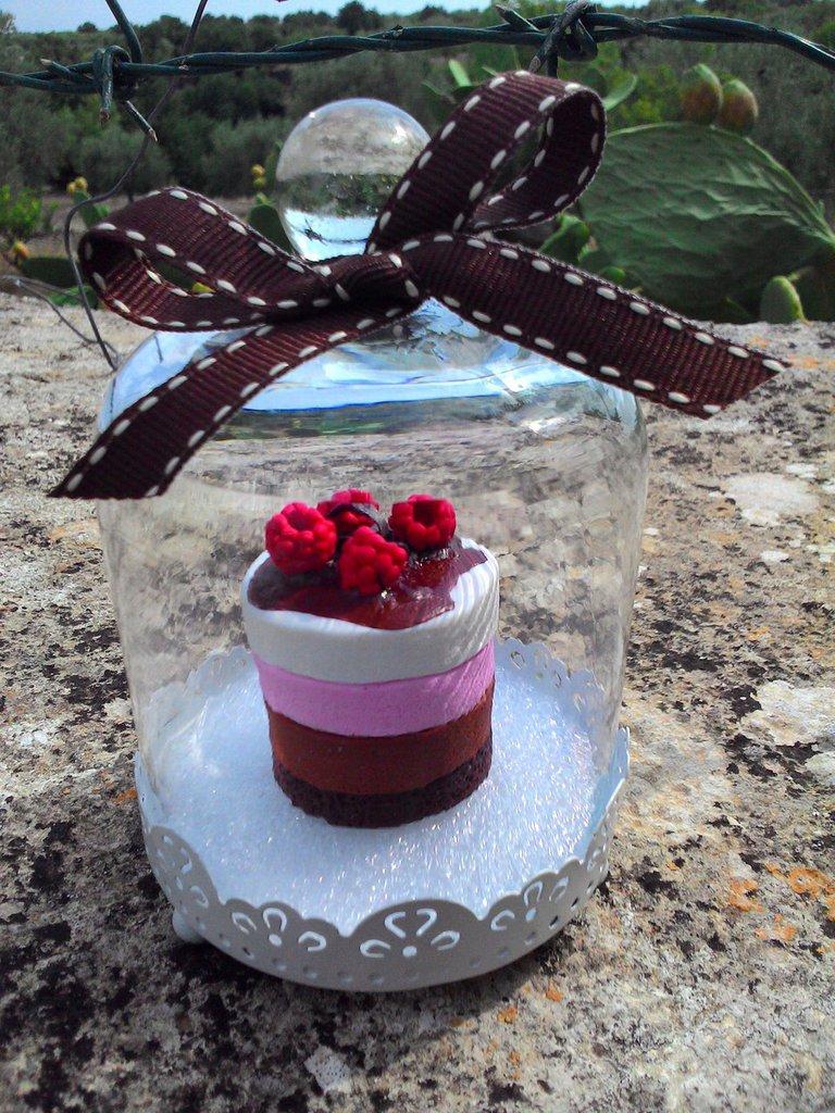 Campana in vetro e metallo con torta in fimo - Feste ...