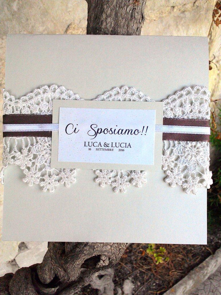 Partecipazione in cartoncino grigio perla