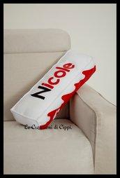 Cuscino personalizzato con nome, arredo casa barretta di cioccolato, fatto a mano in pannolenci.