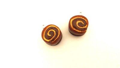 UN CIONDOLO CHARMS FIMO - merendina snack GIRELLA - kawaii per orecchini braccialetti portachiavi collane