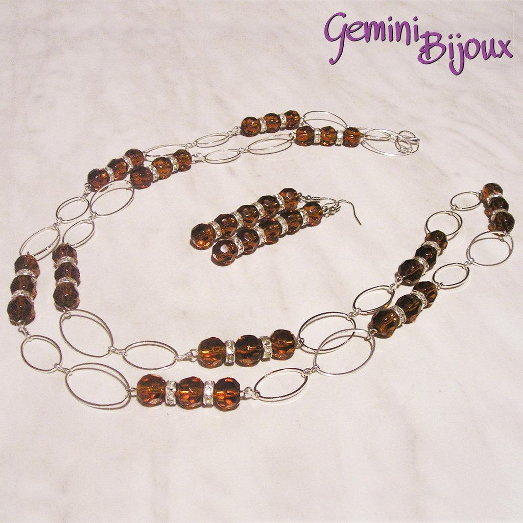 Collana lunga con perle sfaccettate topaz, rondelle strass e catena argentata