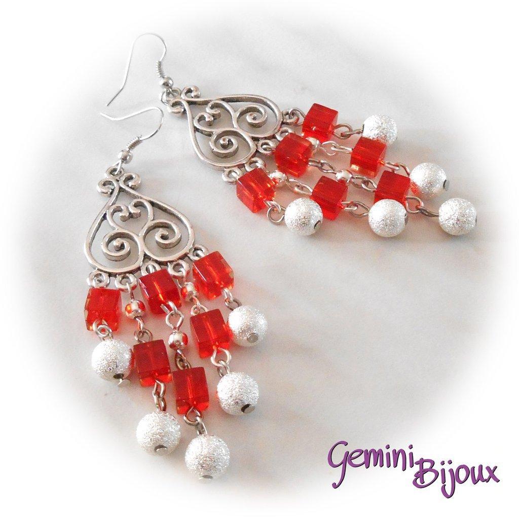 Orecchini chandelier quadretti rossi e stardust