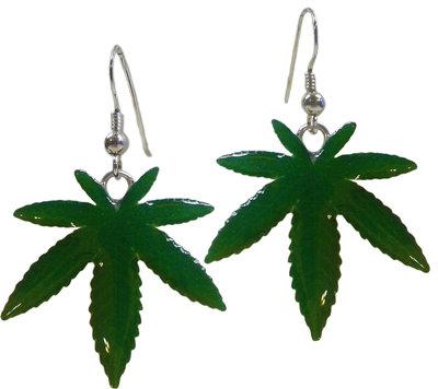 Orecchini con foglie di cannabis