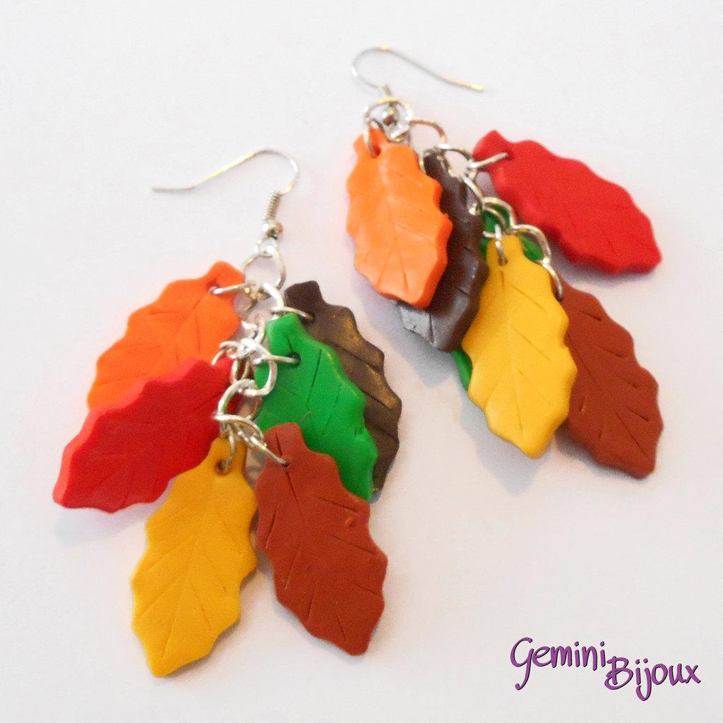 Orecchini pendenti con foglie colorate in fimo, fatto a mano