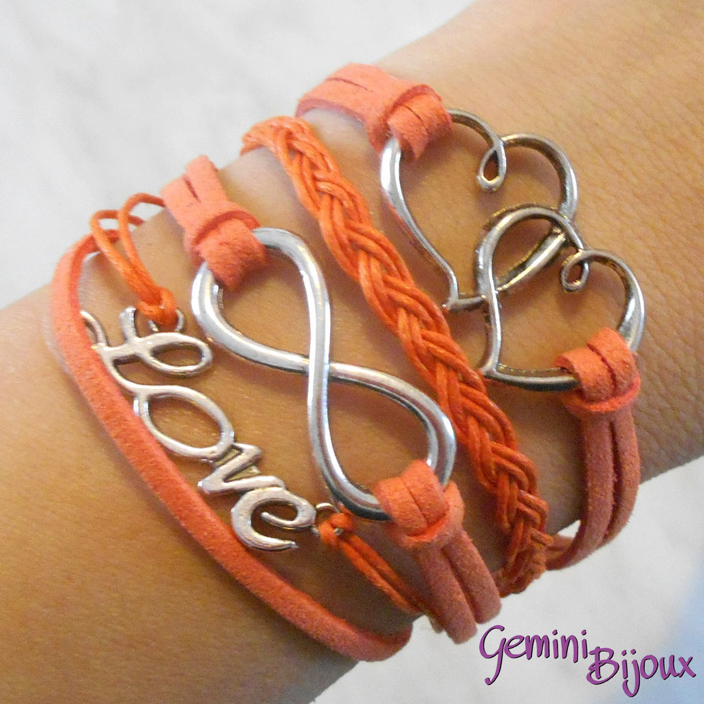 Bracciale multifile arancio scamosciato con cuori, love, infinito e treccia