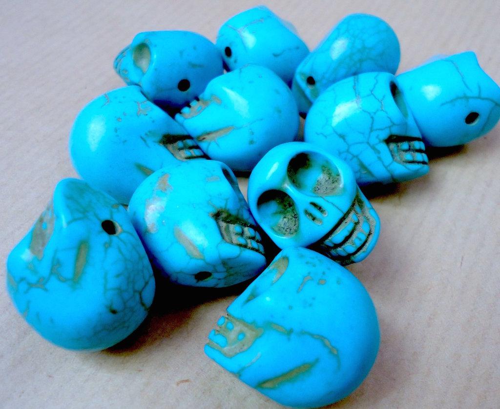 2pz - perle perla howlite sintetica TESCHIO Sugar skull TURCHESE