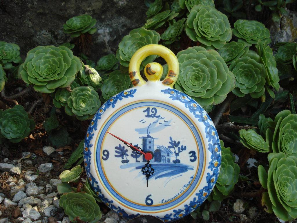 Orologio da parete in ceramica