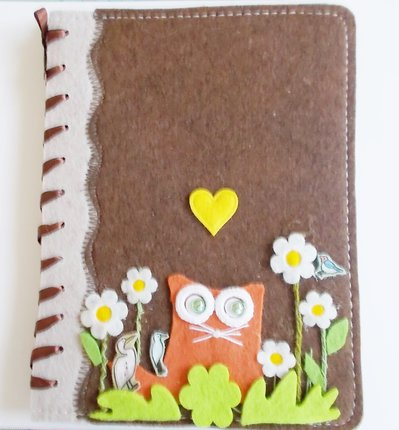 grande quaderno in feltro con gatto arancio e perline