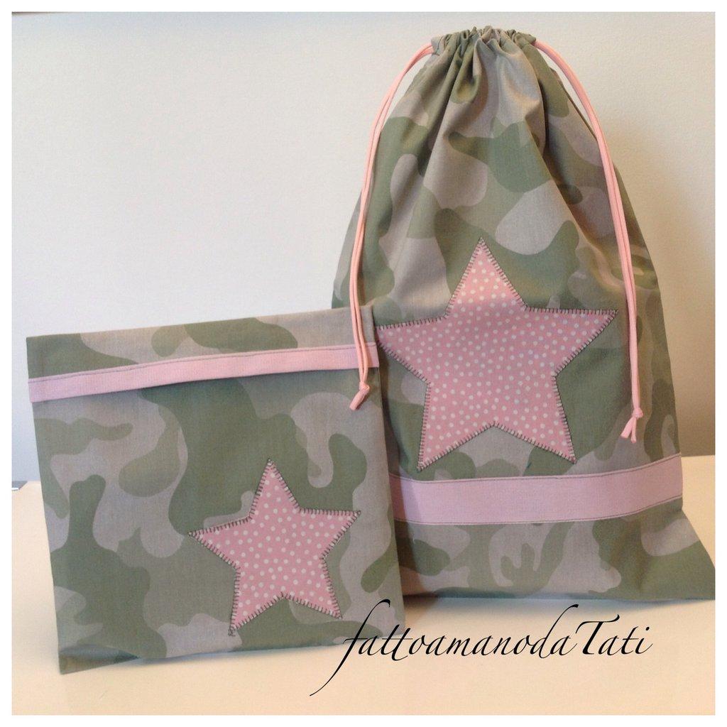Sacchetto asilo in cotone verde camouflage con stella rosa e busta coordinata