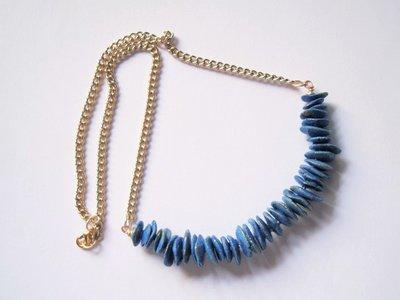 Collana azzurro oro