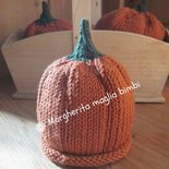 Berretto - zucca per bambino 3 - 6 mesi fatto a mano in pura lana merino