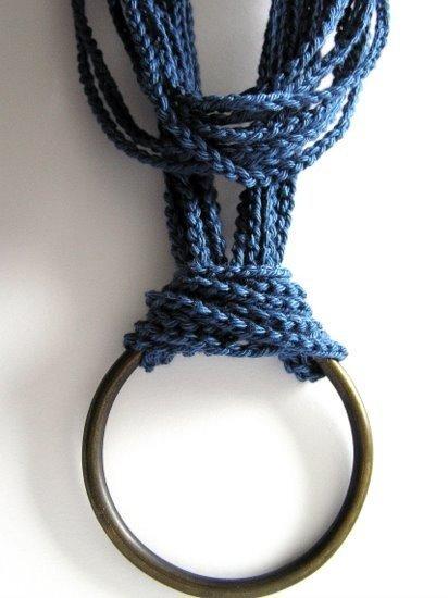 Collana in cotone blu ed anello di ottone vintage originale anni '70