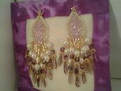 Splendidi orecchini con perle