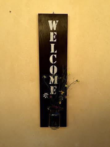 Pannello decorativo in legno - Scritta WELCOME - con vaso per fiori