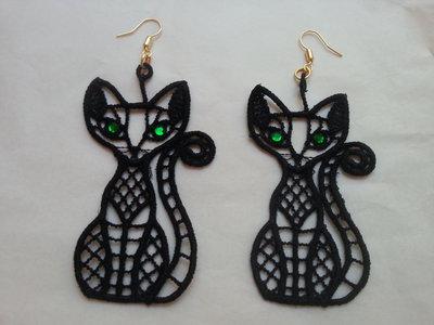 orecchini pizzo macramè a forma di gatto