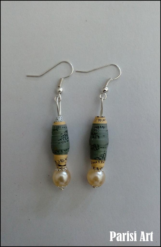 Orecchini pendenti con perle fatti a mano