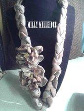 collana tessuto con fiori organza