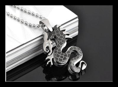 Ciondolo acciaio drago nero con strass