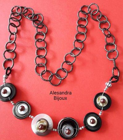 Collana bottoni e perle marrone
