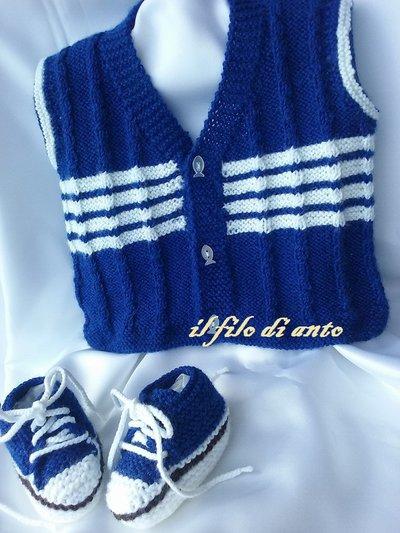 Gilet blu  a righe bianche  e scarpine
