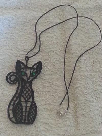 collana a forma di gatto