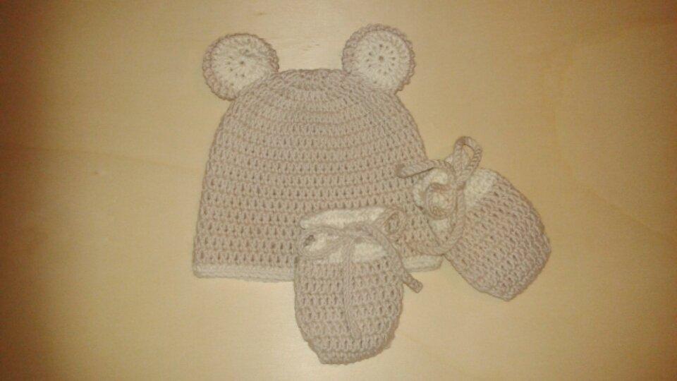 Cappello e muffole in pura lana merino a forma di orsetto