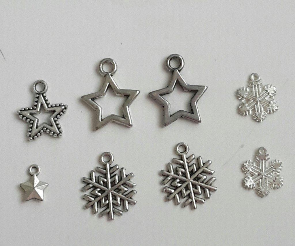 8 charms stelle e fiocchi di neve misti