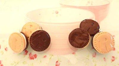 UN CIONDOLO CHARMS FIMO - merendina snack biscotto RINGO - kawaii per orecchini braccialetti portachiavi collane
