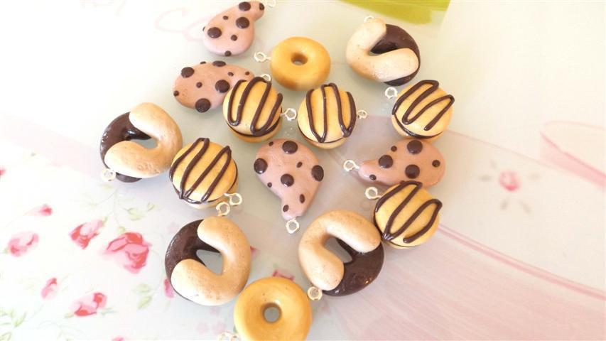 OFFERTA LOTTO STOCK 10 BISCOTTI MISTI CHARMS FIMO - merendina snack  - kawaii per orecchini braccialetti portachiavi collane