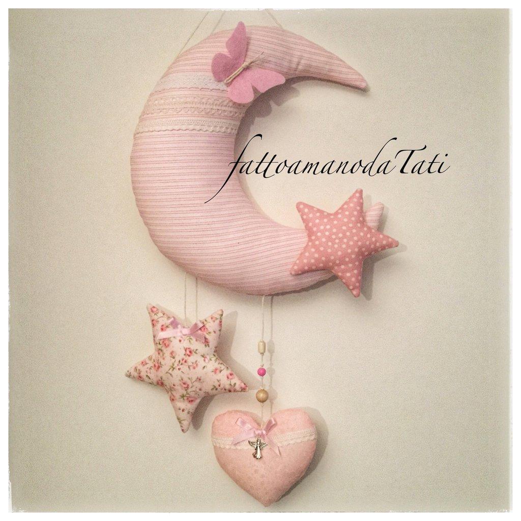 Fiocco nascita in cotone rosa a forma di luna con cuore e stelle