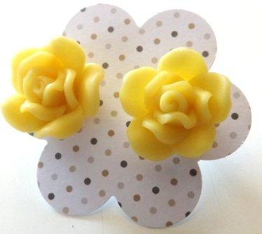 Orecchini rose in fimo colore giallo idea regalo Natale per lei