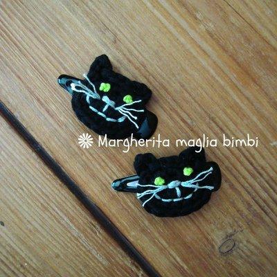 Fermaglio per capelli bimba con gatto nero fatto a mano all'uncinetto