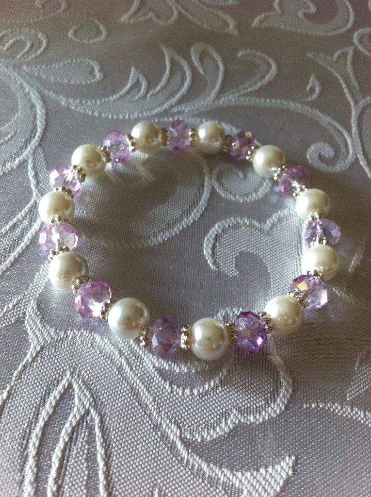 Bracciale con cristalli e perle di vetro