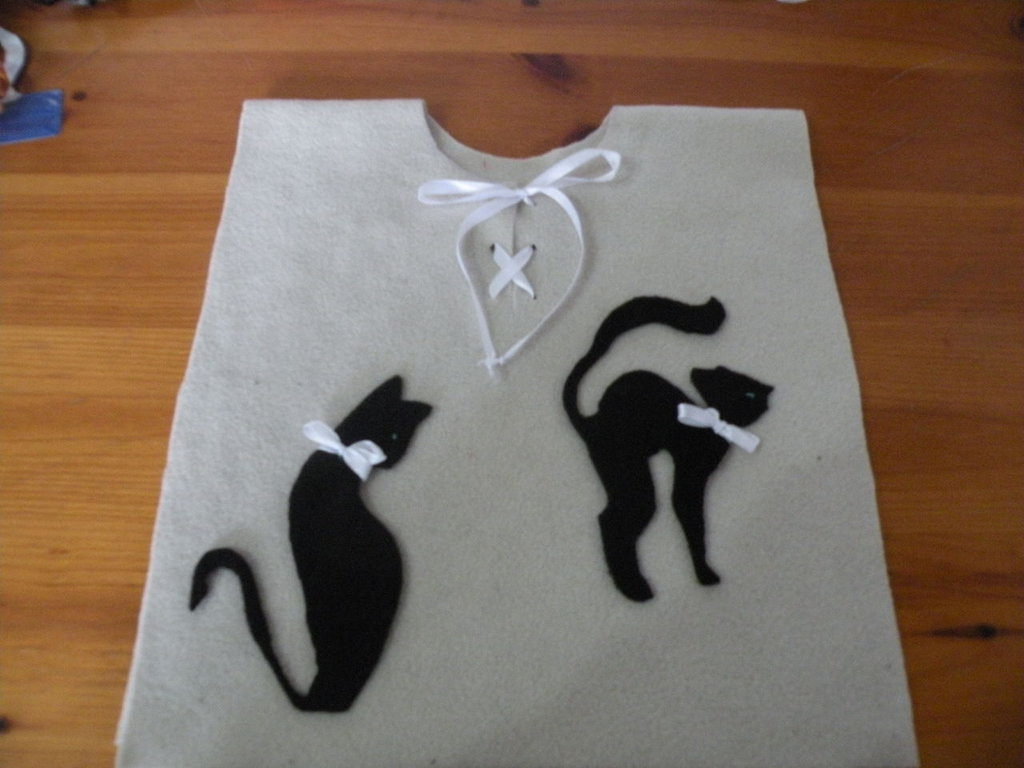poncho mantella gatti con papillon