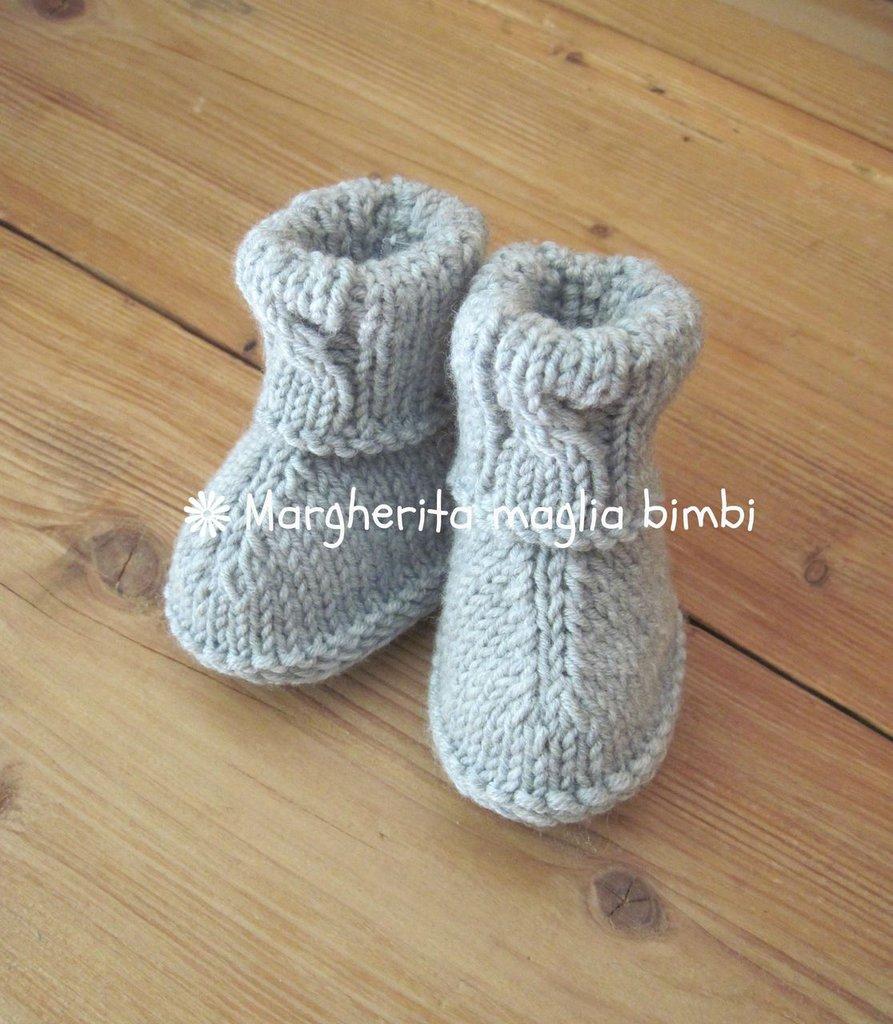 Stivaletti neonato grigio chiaro con trecce in pura lana merino superwash