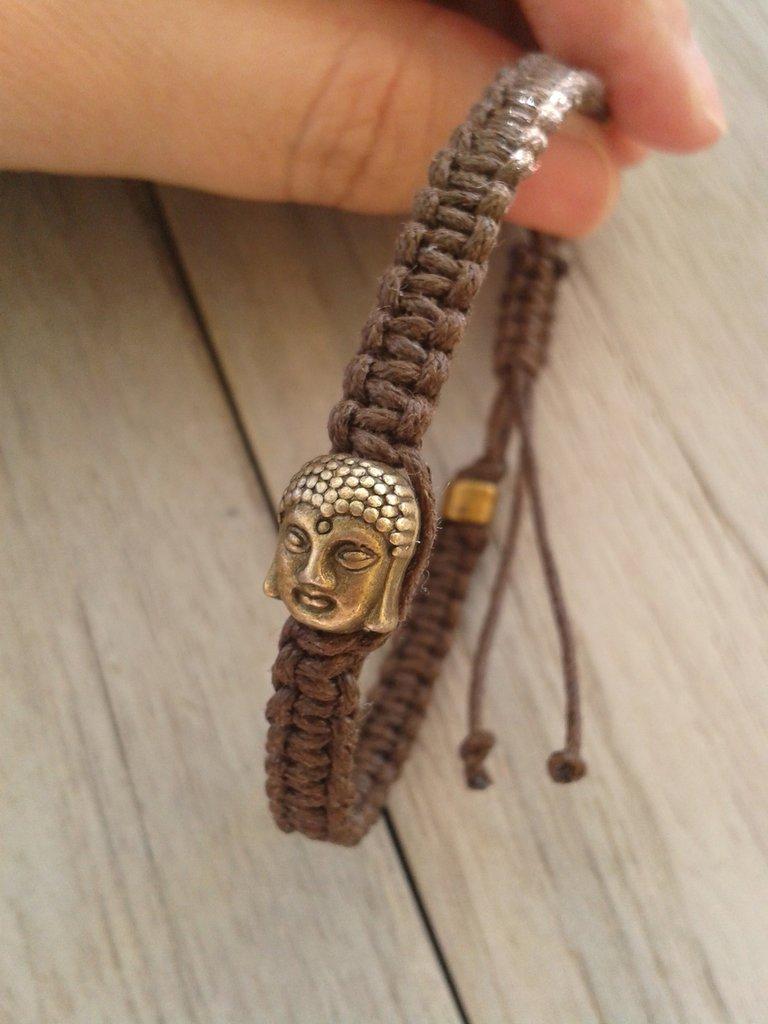 Bracciale in macramè con Buddha