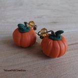 Orecchini in bronzo con zucca di halloween in fimo con cristalli ocra