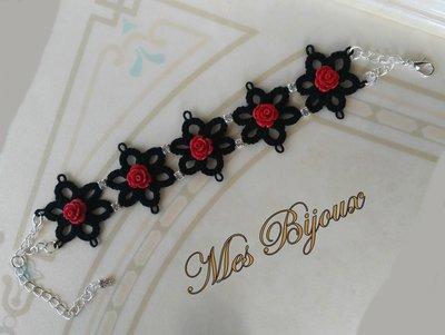 Bracciale nero con rose rosse  moda chiacchierino  idea regalo ragazza donna