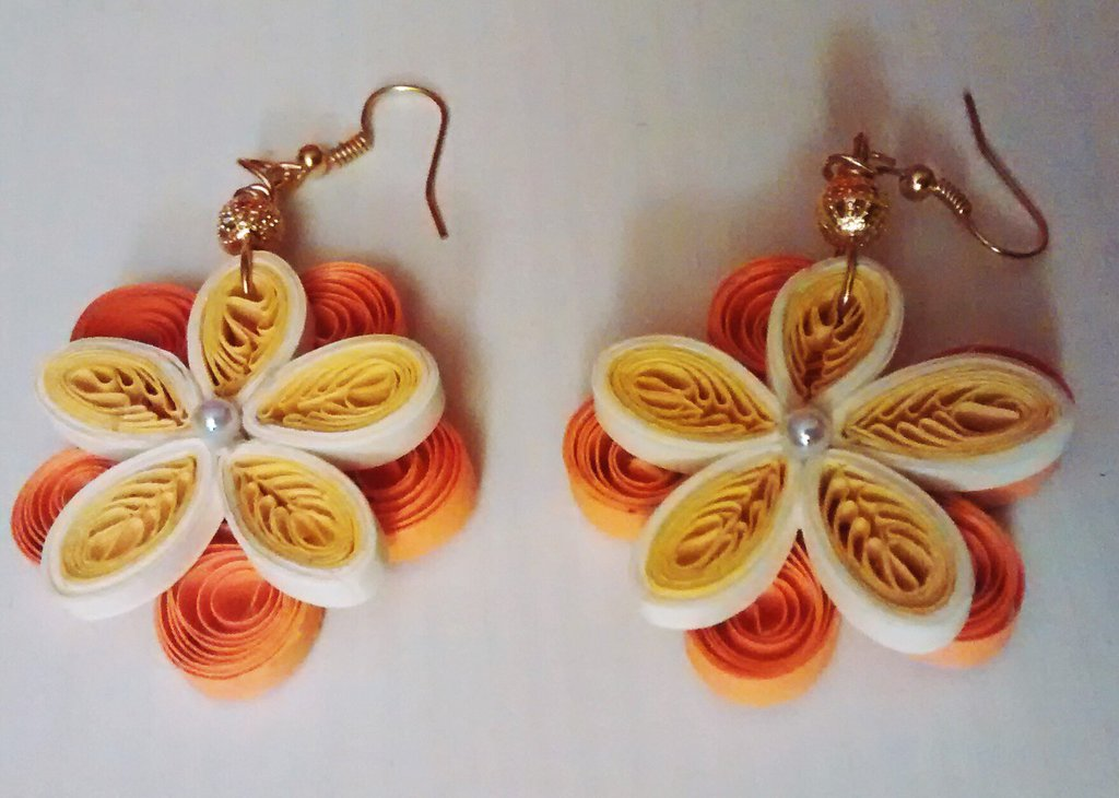 orecchini di carta, fiore