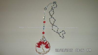 Segnalibro wire con pendente albero della vita e perline di corallo  e bicono di  cristallo SW.