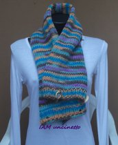 Scaldacollo maxi sciarpa in lana merinos multicolor ai ferri con guanti lunghi