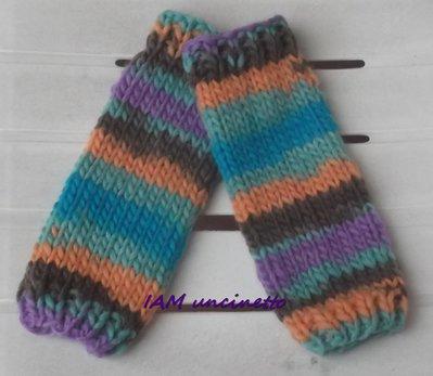 vasta selezione di 1d1f9 86c72 Scaldacollo maxi sciarpa in lana merinos multicolor ai ferri con guanti  lunghi
