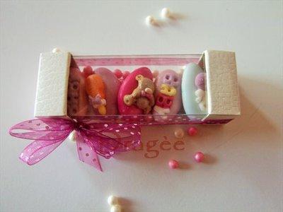 astuccio di confetti decorati