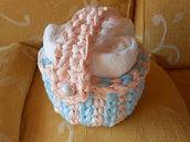 Cestino  porta salviette  in fettuccia rosa celeste con manico centrale.