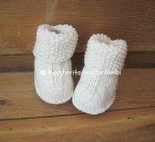 Stivaletti/scarpette neonato in pura lana merino superwash bianca, fatti a mano
