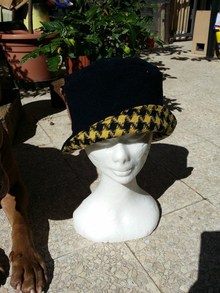 cappello vintage  in tessuto