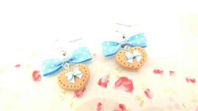 PAIO ORECCHINI FIMO  - BISCOTTINI con fiocchetto azzurro - dimensione a cuore  - stile kawaii - idea regalo