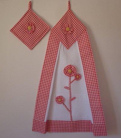 strofinaccio con presina, decorativo, canovaccio con presina, quadretti rossi, fiori , decorazione per la cucina, regalo per la mamma