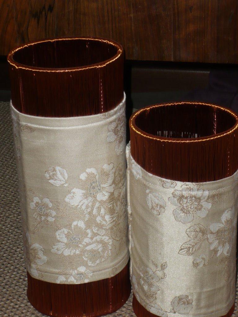 Lampade con fili di rame e stoffa